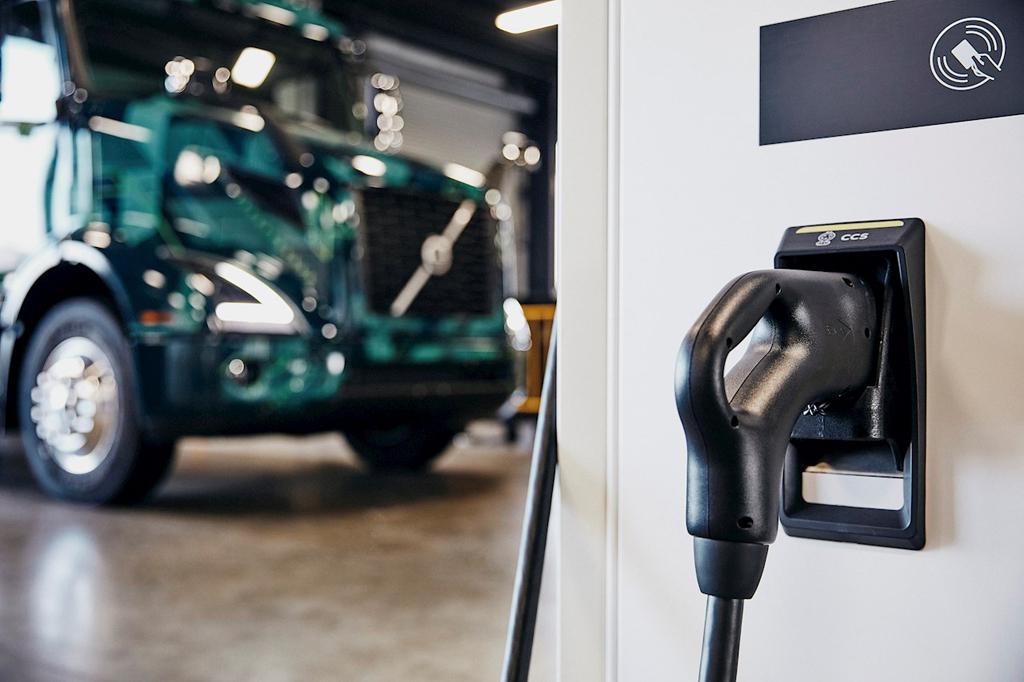 ABB: Nowatorski projekt Volvo LIGHTS w Kalifornii w obszarze elektromobilności, elemoto.pl