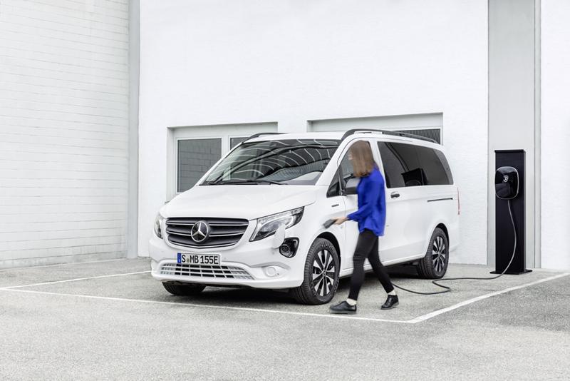 Mercedes-Benz Vans: eVito - specjalista od dalekobieżnych przewozów pasażerskich, elemoto.pl