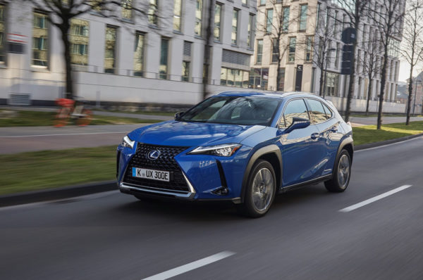 Niemiecka prasa przyznała nagrodę elektrycznemu Lexus UX, elemoto.pl