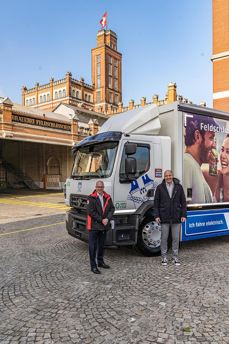 Bruno Blin (po lewej), prezes Renault Trucks i Thomas Amstutz, dyrektor generalny Feldschlösschen.