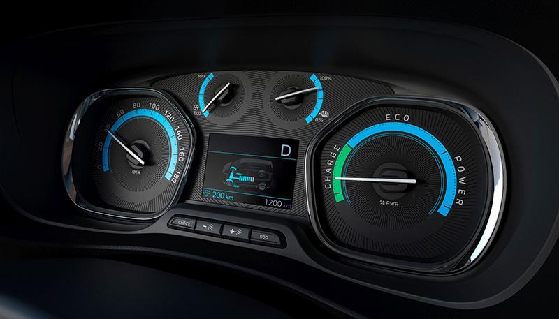 Zestaw zegarów przekazuje wszystkie informacje niezbędne do prawidłowej obsługi pojazdu elektrycznego.