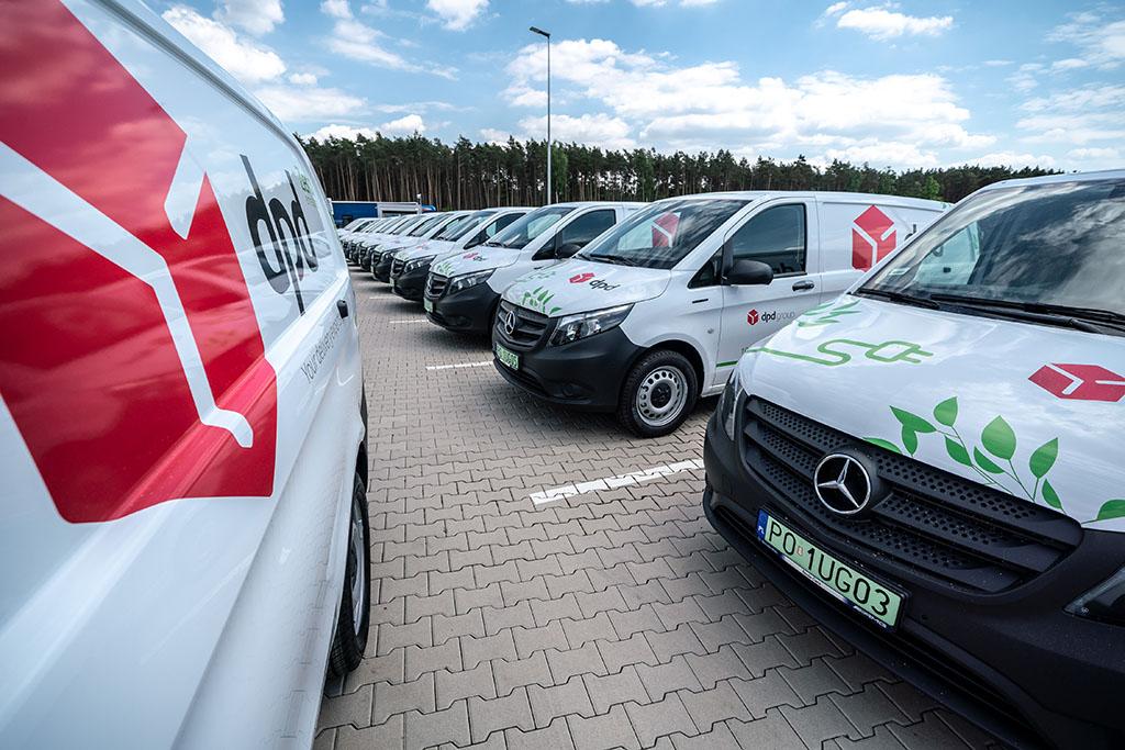 MERCEDES-BENZ: 50 eVito furgon dołącza do zeroemisyjnej floty DPD Polska
