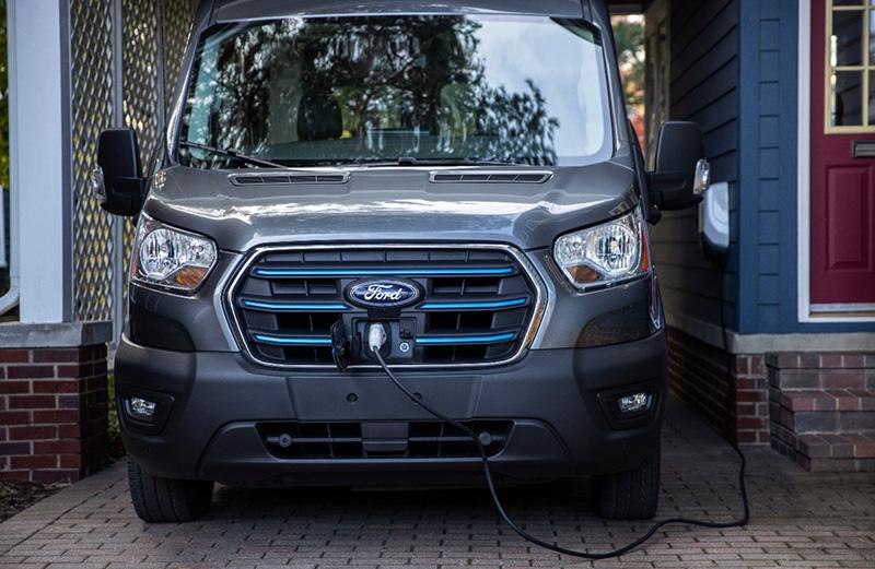 Ford ma największą (i stale się rozwijającą) publiczną sieć ładowarek w Ameryce Północnej, z ponad 63.000 stanowisk.